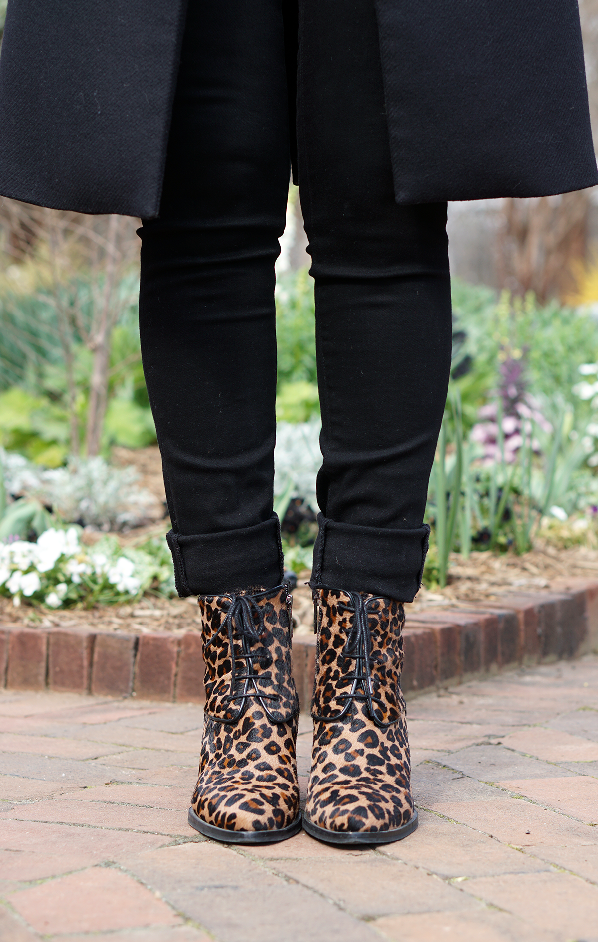 Leopard print, ankle boots, booties, vest, sleeveless, high waist, skinny, jeans, jacket, tribal, monochrome, how to, what to wear, 3 ways to wear, fashion, style, casual, every day, spring, fall, autumn