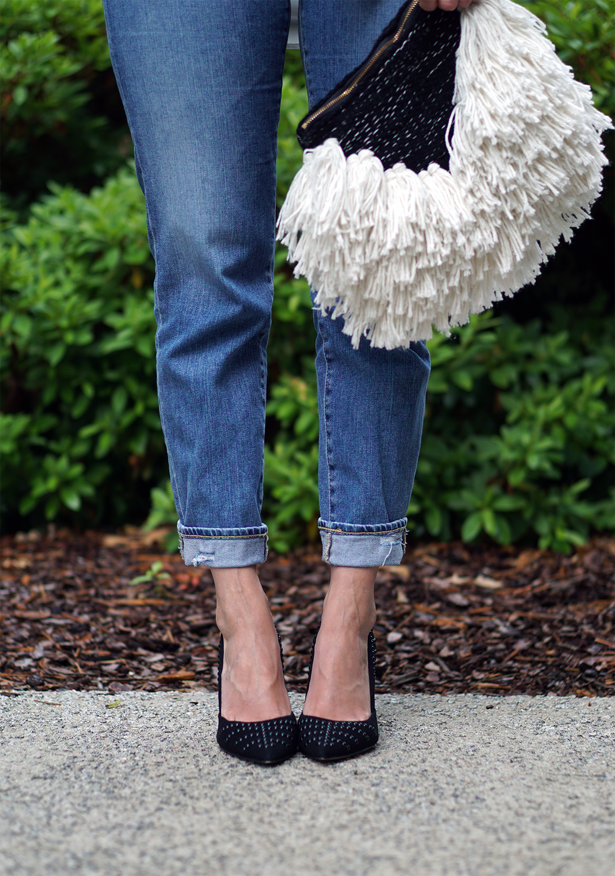 Mom jeans, mum jeans, boyfriend jeans, layering, over 30, casual, dress over trousers, dress over pants, frills, ruffles, wrap skirt, stripe, nautical, dress, how to wear, what to wear, ways to wear, 3 ways to wear, body shape, pear shape, personal stylist, how to, fashion, style, casual, every day, summer, balayage, wavy hair, beach waves, high rise, high waist, print, floral, tropical